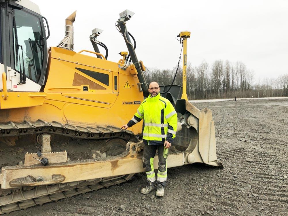 """En grävmaskinist ska samtidigt kunna vara en hjullastarförare och även kunna sitta i en bandschaktare. Jag brukar kalla dem """"mångkonstnärer"""""""