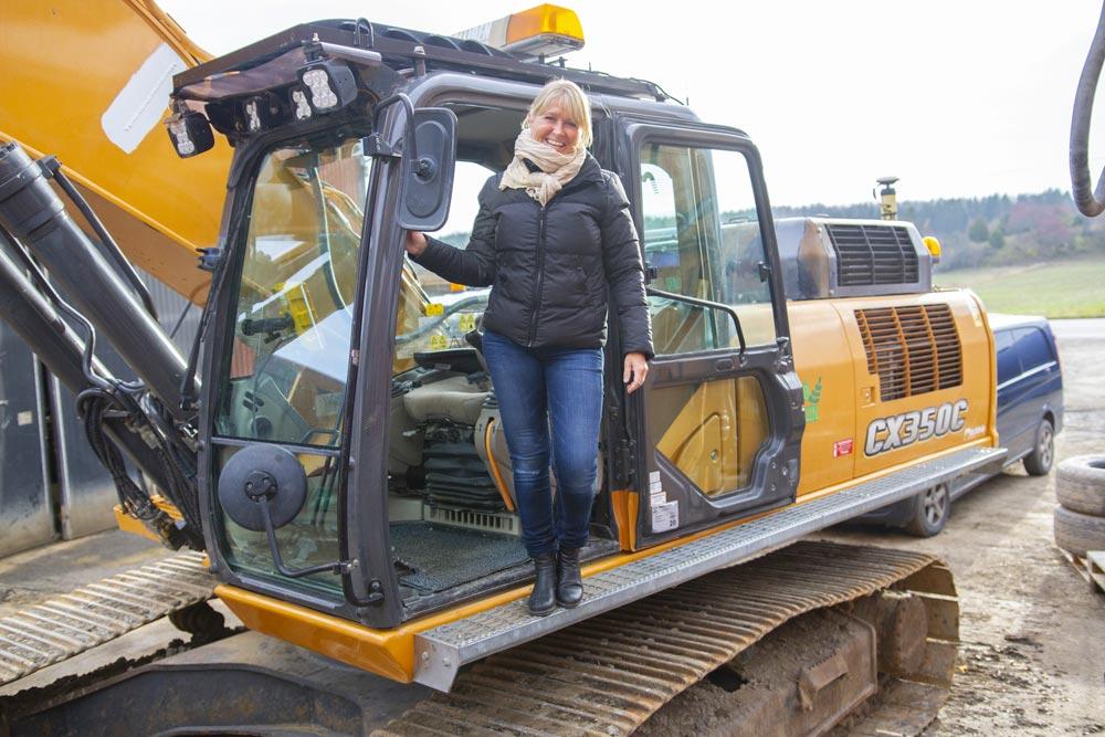 Lotta Jansson i Solliden Entreprenad, har mer fått mer tid till personal, bokföring och inte minst mer fritid efter att ha börjat använda SmartDok.